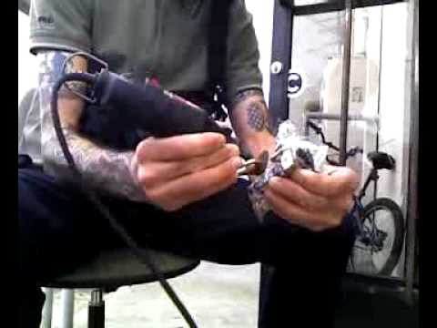 Ugly Bill Tuning a Tattoo Machine - Specialtechnique.net