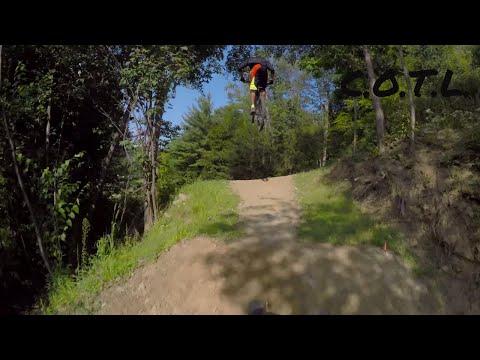 Thunder Mountain Bike Park - Gronk Jump Trail (видео)