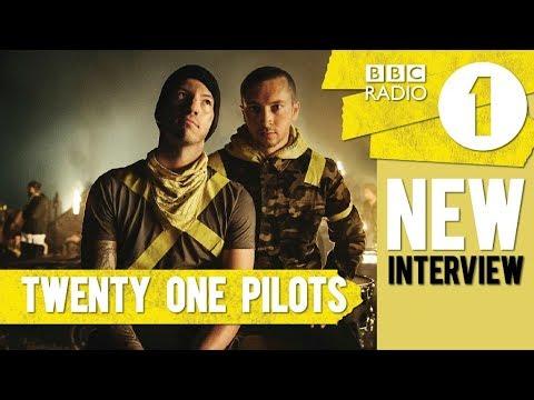 NEW TWENTY ONE PILOTS INTERVIEW ! (talking about Jumpsuit & tour) BBC Radio 1