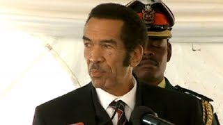 Botswana's Ian Khama is often seen as a serious leader who doesn't mince his words - but this week the president displayed his lighter side to the delight of ...