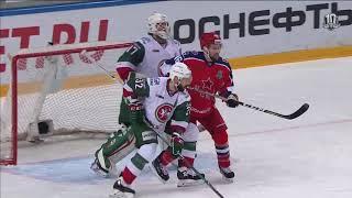 Гарипов отражает два броска Плэтта в упор