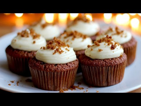 Fresh Gingerbread Cupcakes with Cream Cheese Frosting - Hot Chocolate Hits