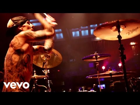 Push 'Em (Feat. Yelawolf)
