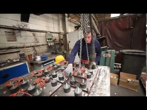 Techmatik - Produkcja formy z podgrzewanymi stopkami / Mould with tamper head shoes production