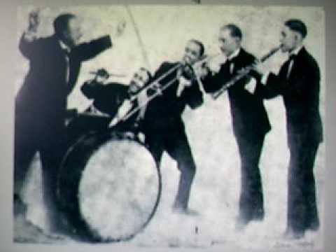 Johnny De Droit & His New Orleans Orchestra - Eccentric online metal music video by JOHNNY DE DROIT