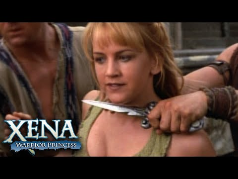 Xena Jumps to Rescue Gabrielle | Xena: Warrior Princess