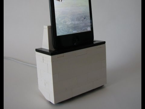 Base para iPhone 5s hecha con piezas de LEGO