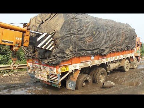 Fully Loaded Big Truck Got Stuck In Mud Road | Lorry Truck Videos | Trucks In Mud