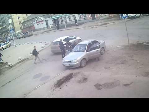 ДТП в Саратове на перекрестке
