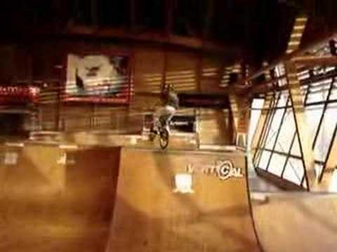 Clément, 360 tailtap, Skatepark de Lyon (69).