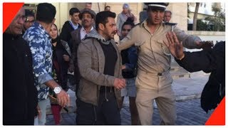 Superstar Salman Khan's look revealed at the shoot of 'Tiger Zinda Hai'. Must Watch!