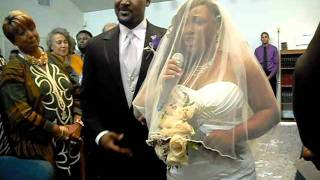 Video amazing woman singing down the isle MP3, 3GP, MP4, WEBM, AVI, FLV April 2019