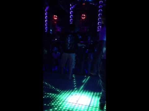 Thánh nhảy tại NEW PHƯƠNG ĐÔNG CLUB