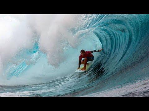 Profi-Surfer mit perfekten Bedingungen bei der »World ...