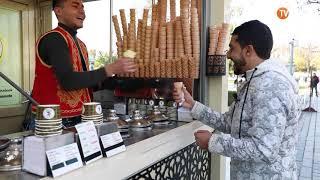 شاهد كيف يستقبل التجار الأتراك زبائنهم العرب كيف يتعاملون بمرح للترويج بضاعتهم