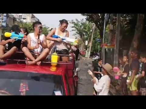 các Hot girl Hot boy quậy tại Lễ hội té nước Songkran