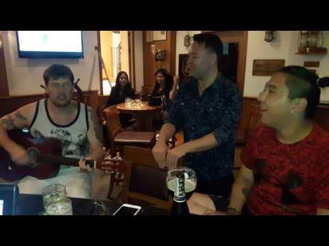 Greenland night at Captain's Pub(2)