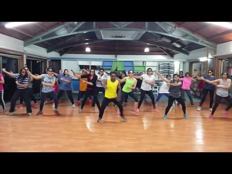 Video Kala Chasma Zumba Choreography By Nitin Solanki download in MP3, 3GP, MP4, WEBM, AVI, FLV January 2017
