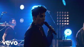Adam Lambert - Kickin' In (Clear Channel/iHeartRadio 2012)