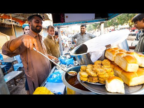 Breakfast In LYARI, KARACHI - Street Food In Former Danger Zone In Pakistan