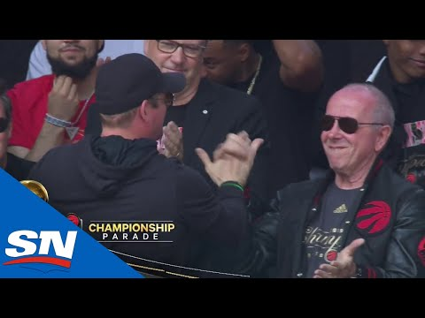 Raptors Fans Go Nuts For Introduction of NBA champs at Nathan Phillips Square