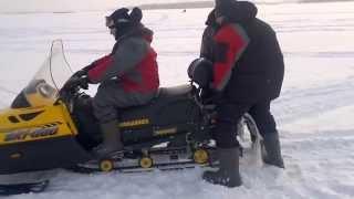 6. Сдуло � ног Снегоход BRP Скандик 600