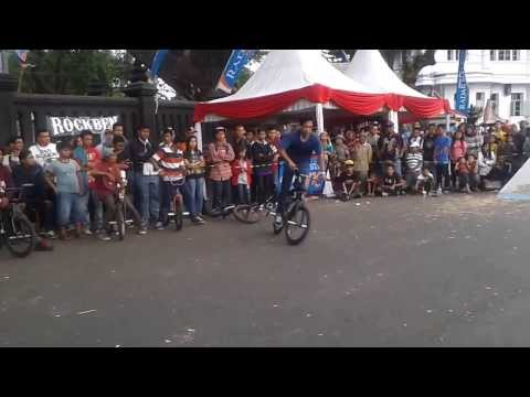 Arya Dypta Harsa Abimantrana, Final Run at Malang Fest and Reunion 2013vid-thumb Click here to watch