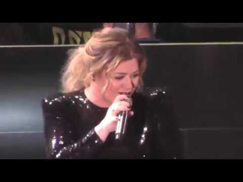 Kelly Clarkson 3/15/19: 1 - A Moment Like This / Meaning of Life (show opener) - Uncasville,CT