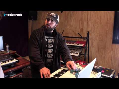 "In this video Derek Sherinian uses his ""CE-1"" TonePrint for the Dreamscape pedal from TC Electronic.  TonePrint page: http://www.tcelectronic.com/toneprint/ Dreamscape product page: http://www.tcelectronic.com/the-dreamscape/"