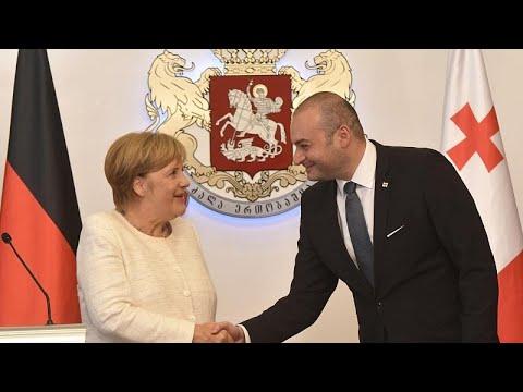 Η Μέρκελ κρατά «κλειστά» τα χαρτιά της για Κομισιόν και ΕΚΤ …
