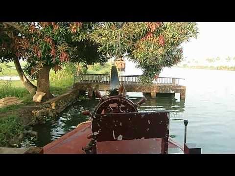Video Kumarakom Houseboat  Trip - Kerala Backwaters download in MP3, 3GP, MP4, WEBM, AVI, FLV January 2017