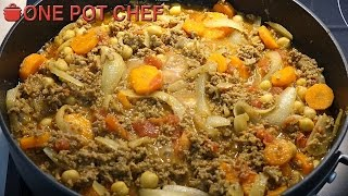 """Get dinner ready in no time with this simple curry recipe. Beef mince is combined with vegetables, spices, chickpeas and more to create a delicious family-friendly meal that everyone will enjoy. Try it today :)Ingredients:1kg of Beef Mince (Ground Beef)2 Small Brown Onions (peeled and sliced)3 Small Carrots (peeled and sliced)1 Banana (mashed)Vegetable Oil1 Tablespoon of Mild Curry Powder2 Teaspoons of Crushed Ginger1 Small Red Chilli (optional)400g Can of Diced Tomatoes400g Can of Chickpeas (drained and rinsed)Salt and PepperServe with rice, noodles, mixed vegetables or by itself!Preparation Time: About 10 minutesCooking Time: About 30 minutesSERVES 4Subscribe to One Pot Chef (it's free!): http://bit.ly/SubOPCONE POT CHEF COOKBOOKS - PAPERBACKS AND EBOOKS:http://www.lulu.com/spotlight/onepotchefONE POT CHEF COOKBOOKS ON iTUNES BOOKSTORE:http://itunes.apple.com/au/artist/dav...ONE POT CHEF APRONS + T-SHIRTS NOW AVAILABLE!http://shop.studio71us.com/collection...Filmed in 4K using the Sony FDRAX100 Video Camera - Check it out here: https://goo.gl/iHLnHPFollow me on Social Media: Twitter: http://www.twitter.com/onepotchefFacebook: http://www.facebook.com/onepotchefInstagram: http://www.instagram.com/onepotchefshowMusic Credits: """"Bright Wish"""" by Kevin MacLeodhttp://incompetech.comRoyalty Free Music - Used with Permission under Creative Commons license."""