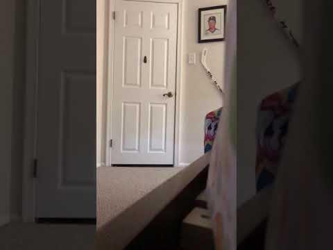Scaring kid in clown morph suit (IT prank)