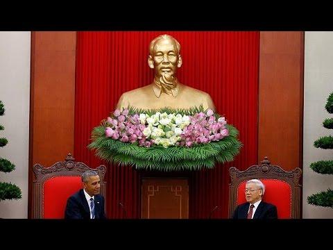 Βιετνάμ: Την άρση του εμπάργκο όπλων ανακοίνωσε ο Μπαράκ Ομπάμα