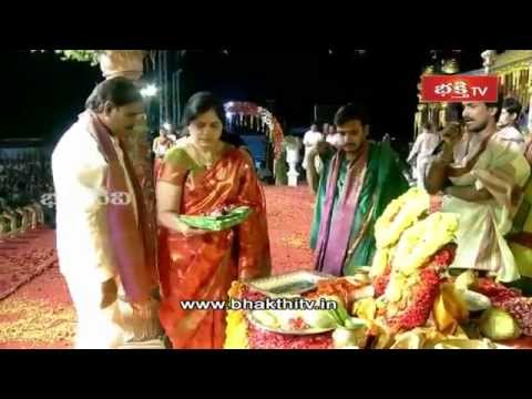 Fifteenth Day Highlights of Bhakthi Tv Koti Deepothsavam 2014_Part 2