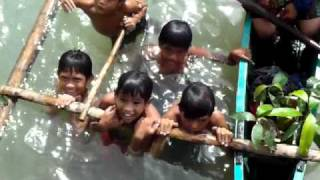 Balamban Philippines  City new picture : Kids at Jaro River near Balamban, Cebu Island, Philippines