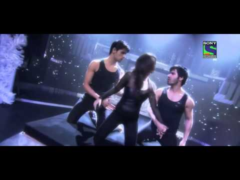 Video Alia Bhatt sizzling performance in Filmfare Award [HD] download in MP3, 3GP, MP4, WEBM, AVI, FLV January 2017