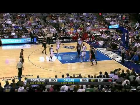Nicolas Batum dunks on the Mavericks