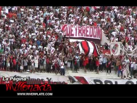 """""""Ahi viene la hinchada"""" + """"Grita y alienta sin parar"""" - River Plate Fans - Los Borrachos del Tablón - River Plate - Argentina - América del Sur"""