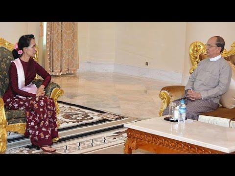 Βιρμανία: συνομιλίες για ομαλή μετάβαση στη δημοκρατία