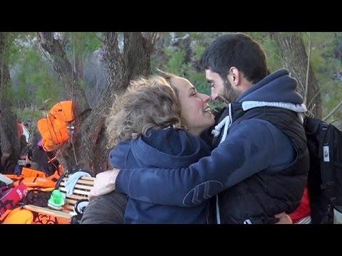 Το φουσκωτό με πρόσφυγες που έφτασε στη Λέσβο, ένωσε ένα ζευγάρι