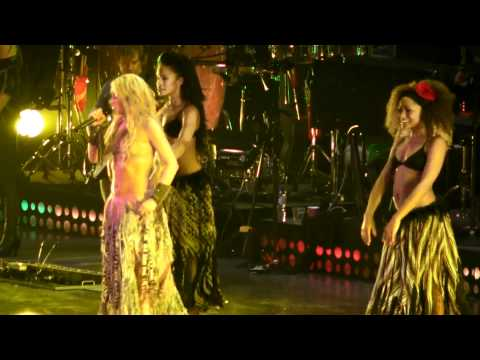 SHAKIRA LIVE WAKA WAKA ROTTERDAM BEST VIDEO HIGH QUALITY.MP4