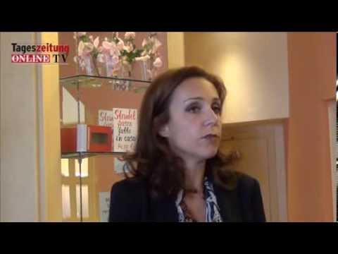 DAUM im Stadtcafé Sendung 1 from Neue Südtiroler Tageszeitung on Vimeo видео