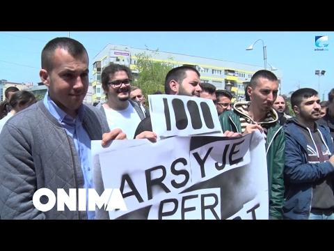 Studentët me marsh protestues shënojnë 1 majin (Video)