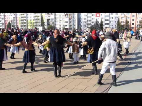 Rozlúčka s fašiangami v Poprade: Pochovaná basa, ľudové spevy, hry a tance i det