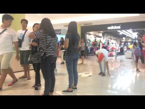 Helping: Boy v Girl - A Social Experiment