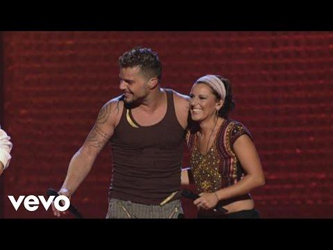 Ricky Martin - Tu Recuerdo (Live Black & White Tour) ft. La Mari De Chambao