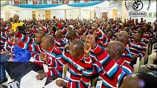 CHADEMA Kwishaa Habari Yao, Yapata Kiboko yao, MBOWE Ashambuliwa Vibaya na Mwanahakatari huyo