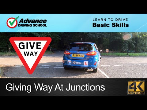 How To Give Way At Open & Closed Junctions  |  Learn to drive: Basic skills