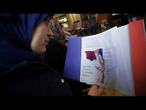 Γαλλία: Ψηφίστηκε η διάταξη για την αφαίρεση ιθαγένειας